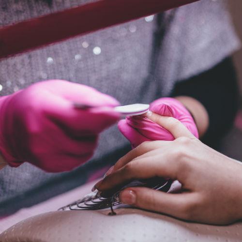 Manicure fai da te: come curare le unghie step by step