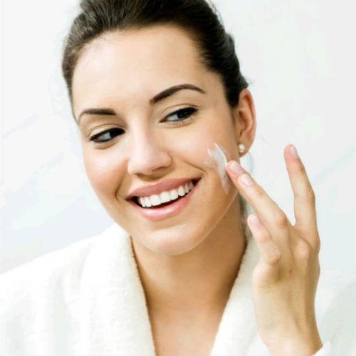 Vitamina E: a cosa serve, perché è utile nella cosmetica