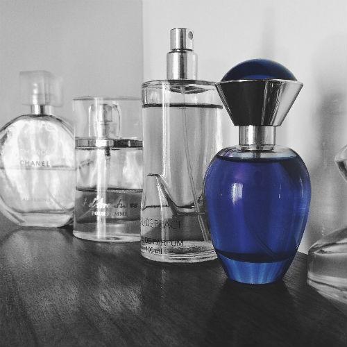I migliori profumi maschili per l'autunno 2018: scopri le fragranze del momento