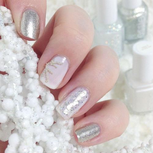 Le nail art più belle ispirate alle neve: scegli la tua winter manicure!