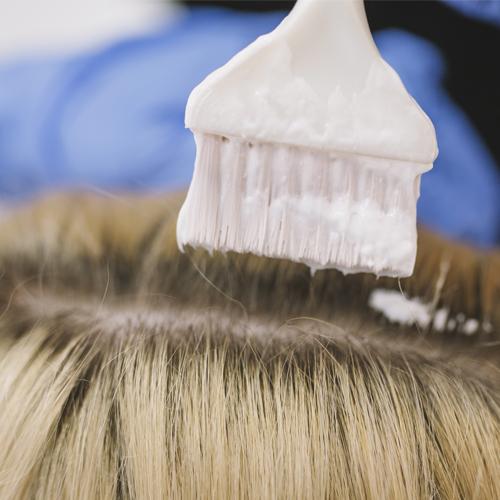 Spray ritocco per capelli: scopri i migliori prodotti per camuffare la ricrescita