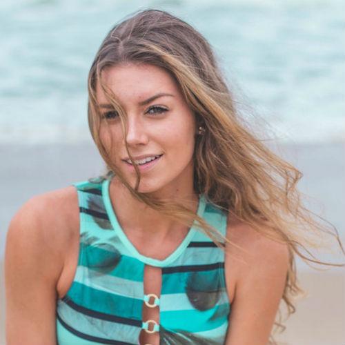 Look da surfista: make-up e hairstyle per essere una vera surfer-girl