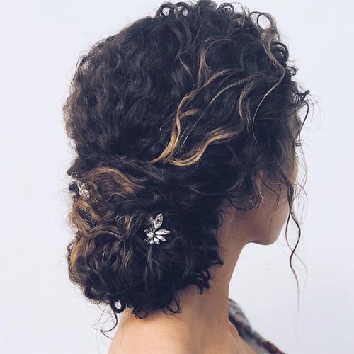 9 idee acconciature per la sposa dai capelli ricci