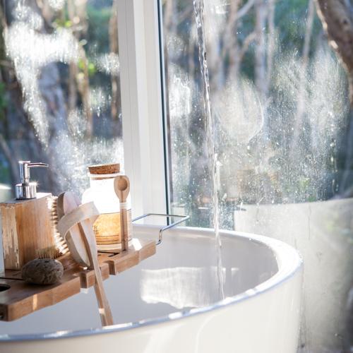 Body brushing: la spazzolatura per il corpo che massaggia ed esfolia