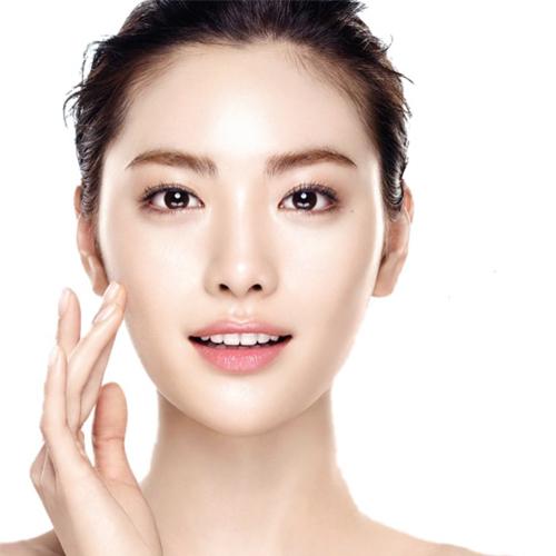 Ottenere la glass skin con il trattamento Mesobotox
