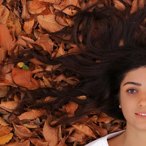 Caduta capelli stagionale, cosa fare per evitarla