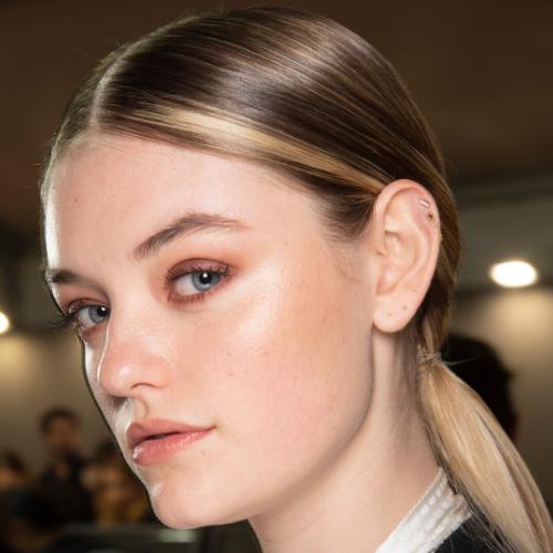 Colore capelli 2020: tutti i beauty tips per una tinta fai-da-te