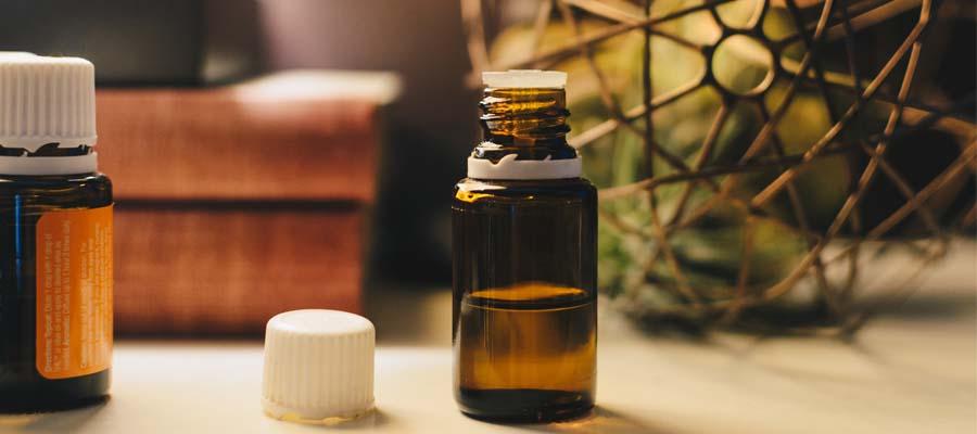 Olio di Jojoba: perché si usa nei cosmetici?