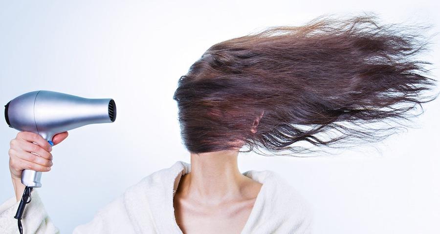come dare volume ai capelli fini
